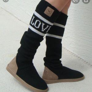VICTORIA'S SECRET Mukluks Knit Slipper Socks Boots